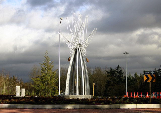 Hi-Five, Miles Pepper, created in 2005 for the Federal Way Transit Center