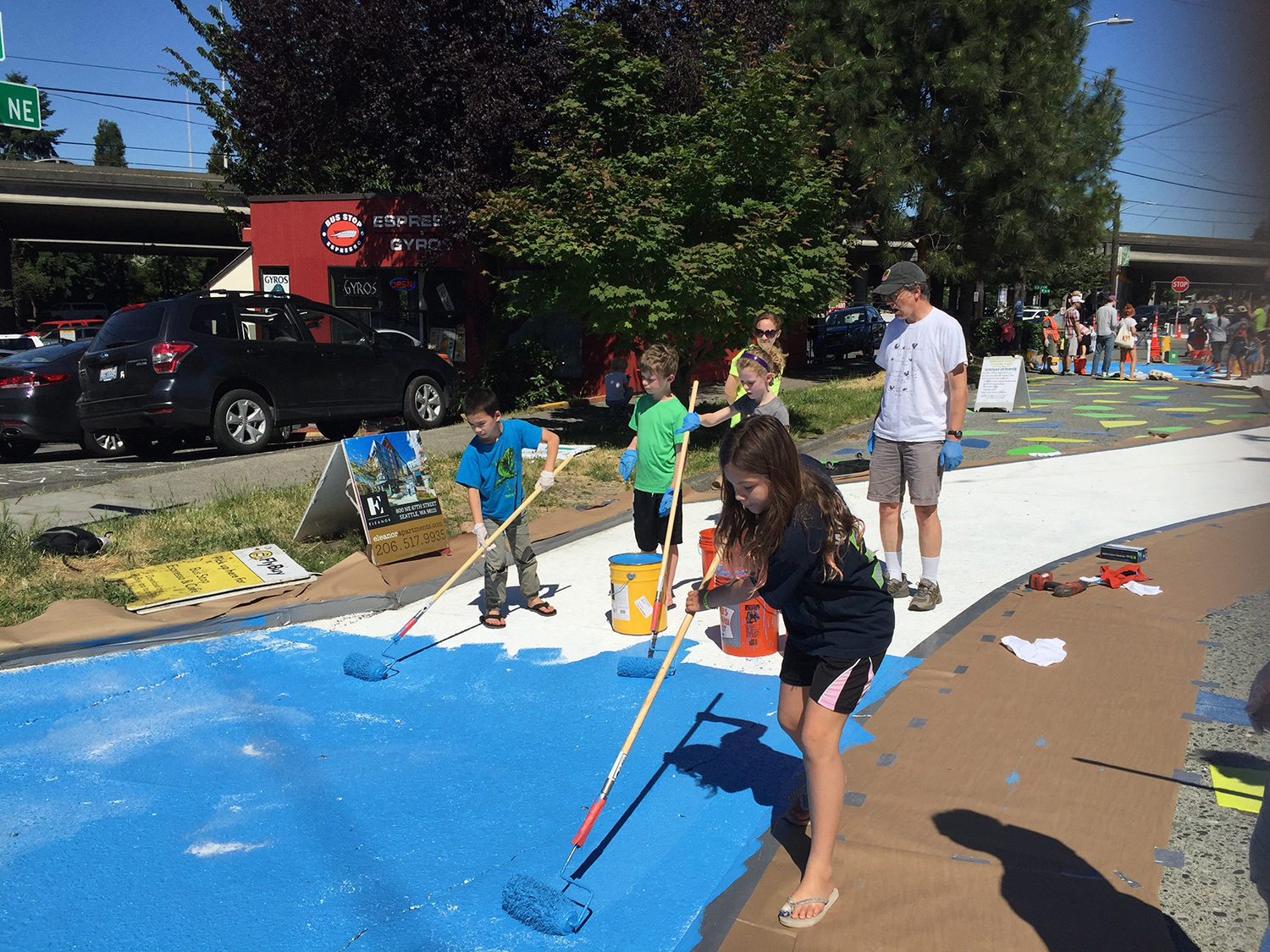 Weedin Place gets a makeover with the help of Roosevelt neighborhood volunteers.