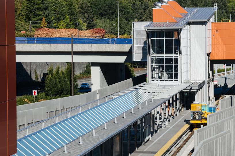Photo of Mercer Island Station construction, East Link Extension