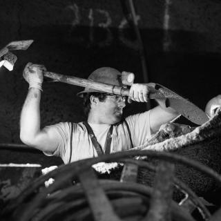 Mining by hand in the Bellevue tunnels