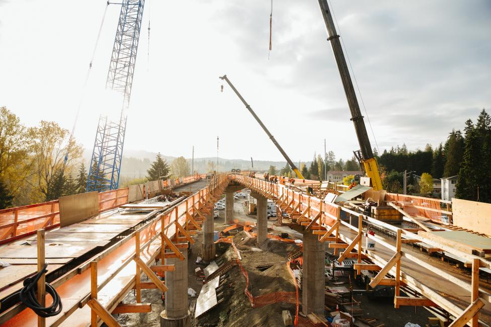 The East Link guideway takes shape above South Bellevue
